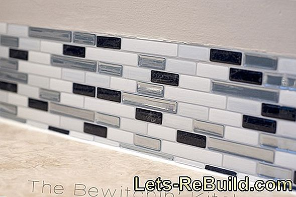 Reshaping tiles: with paint or stickers very easy