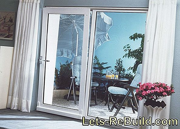 Parallel sliding tilting door for the conservatory