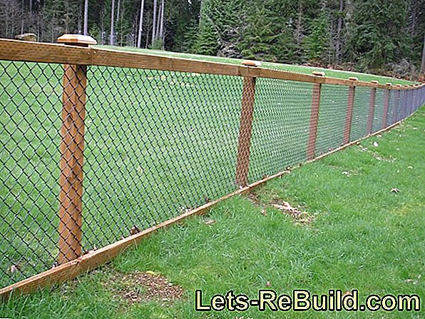 Join a chain link fence
